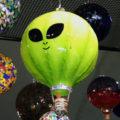 Ribbed Balloon – Alien on Apple Green