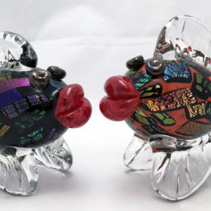 Kissing Fish– Black & Fire Red w/ Dichroic