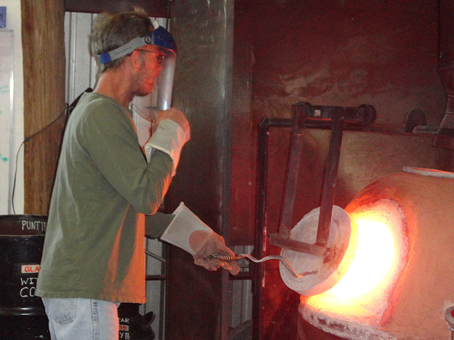 Filling The Furnace Robbins Ranch Art Glass